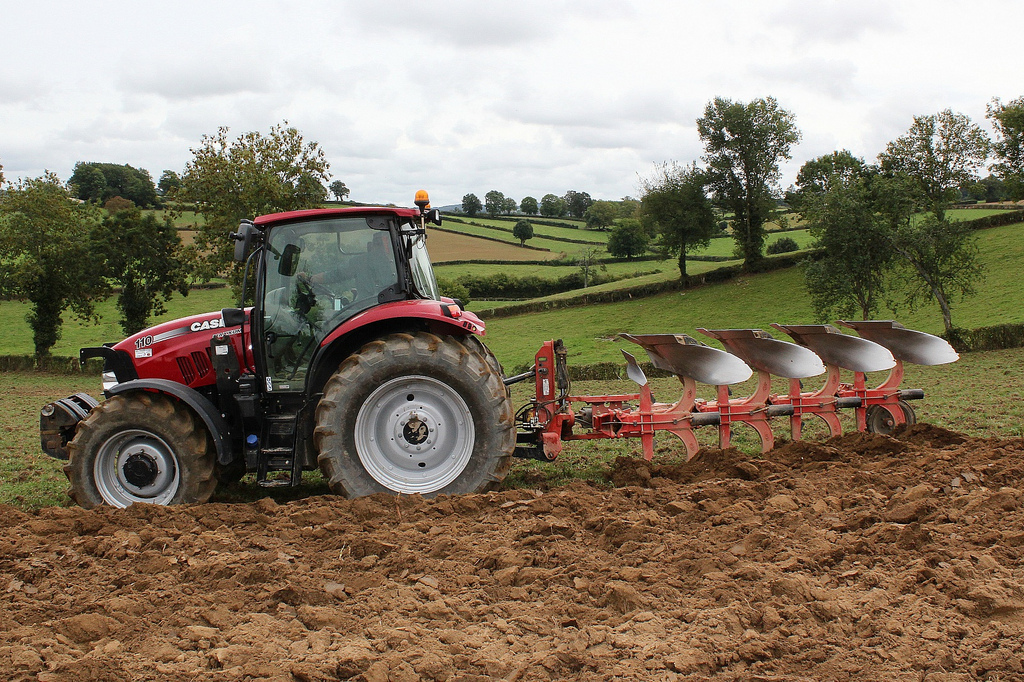 Why a Chisel plough is our first choice tool for primary tilleage